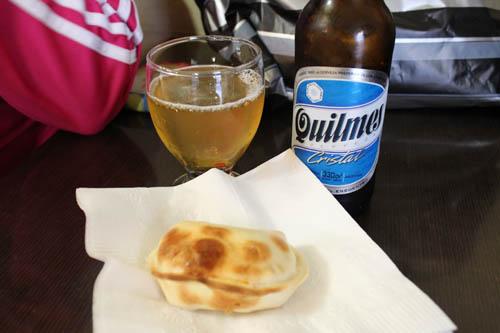Empanada e cerveja Quilmes!