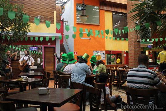 Caetano's Bar.