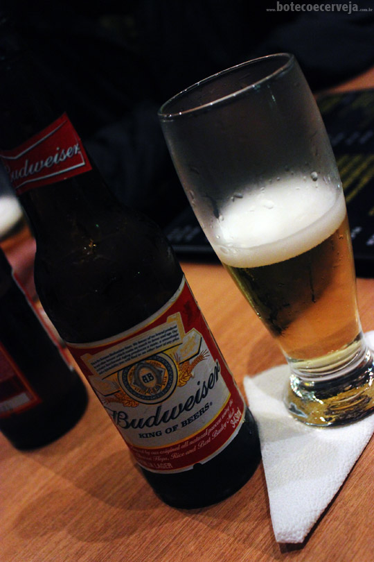 Na Mata Café: Budweiser.
