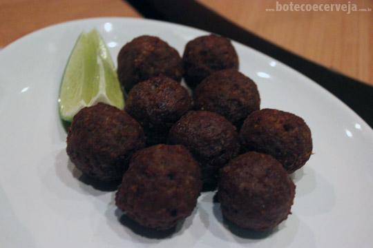 Na Mata Café: Meatballs.