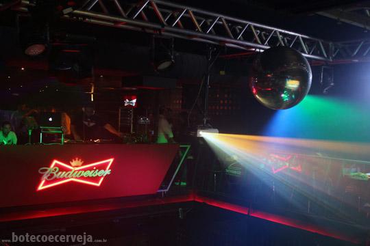 Na Mata Café: DJ.