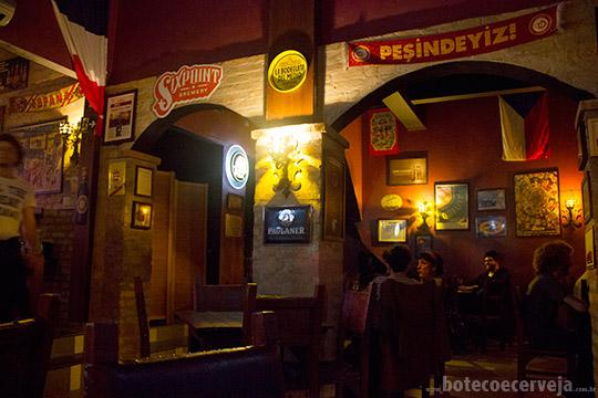 Deep Bar 611.